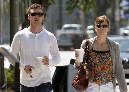 justin_timberlake_and_jessica_biel_shop_soli_main_3186000x0420x300