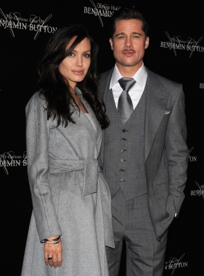83554_brad-pitt-and-angelina-jolie-dont-look-grim-in-grey-at-the-french-premiere-of-benjamin-button