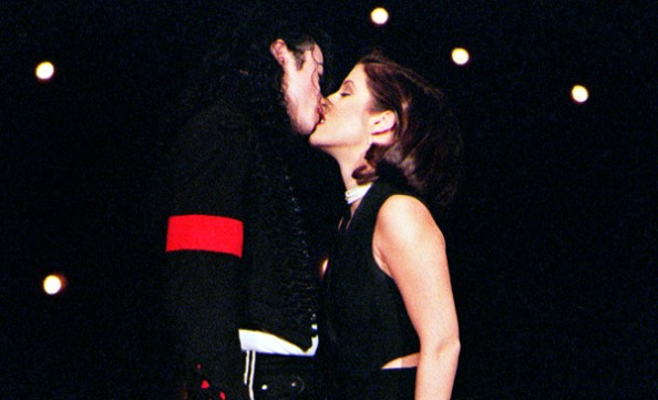 vma1994-mj-lisa-kiss