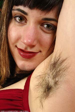 hairy_woman_armpit_photo